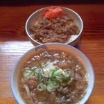 牛牛うどん - 牛牛うどん(福岡県飯塚市伊川)肉うどん650円,牛丼650
