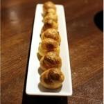 lumielune - グジェール       チーズ風味の、シュー