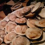 焼はまぐり 青山八番too - 塩焼き蛤