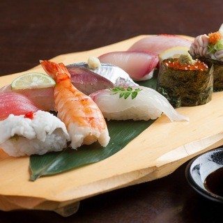 ≪さんじ料理人のこだわり≫本日のお寿司の握り合わせ