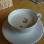 Bistro Plan de Plat - じゃがいも冷製スープ
