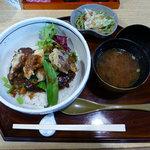 丼厨房 シェ・くぼた -