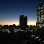 V2 TOKYO - 時間帯によっては美しい夕焼けをお楽しみ頂くことが可能です。
