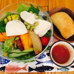 南青山野菜基地 - 豆腐とお豆の基地サラダ