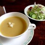 ステーキいなむら - セットのスープとサラダ!