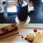 プティ・アルモニー - 料理写真:ケーキセット