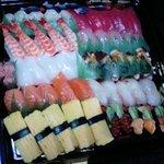 鮮魚大阪屋 - 料理写真:新鮮生魚