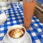 と Cous Cous - ランチ デザートとグレープフルーツジュース