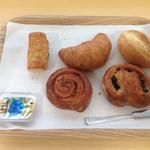 ホテル・アルファ-ワン - 無料パン