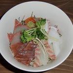 らん - 料理写真:海鮮丼