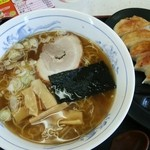 38901338 - 醤油ラーメン 餃子セット