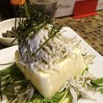 ヴァカンス - オプション料理:しらすヤッコ