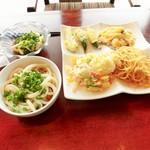 豆乃畑 - オクラ・ナス天、上海焼きそば、焼き飯、冷やしうどん、手作り豆腐の冷奴