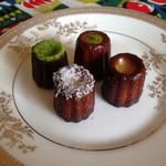 デボラ - 左から 抹茶 ココナッツ ピスタチオ プレーン