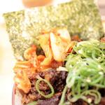 福島壱麺 - 肉飯に添えられてるキムチ '15 5月中旬