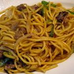 蜜家珈琲店 - 牛肉焼きスパゲティにんにくバター醤油風味(アップ、2015年4月)