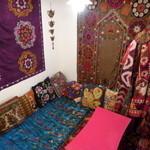 グリシェンカフェ - 中央アジアの絨毯&民族衣装