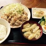 どさん娘 - 料理写真:生姜焼き定食