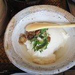 山椒の木 - 出来たての豆腐・・・アツアツで美味しかったですよ。