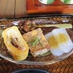 山椒の木 - 鰻巻きやキモ焼きの小鉢