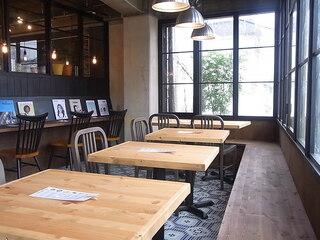 ロッカ アンド フレンズ - テーブルは16席☆♪