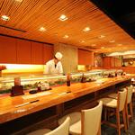 魚がし日本一 - 内観写真:寿司といえばカウンター席