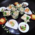 一二三庵 - 八寸 根三つ葉と鱈の白子和え サヨリと車海老の芋寿司  白魚の揚げ物、梅あん  子持ち槍烏賊 あん肝豆腐