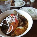 スパイスカフェ ベロデカ - Aランチ/ジューシーやわ鳥スープカレー ¥750