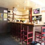 スパイスカフェ ベロデカ - カフェ風の店内
