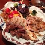 38940163 - 牛・豚・野菜鉄板焼き