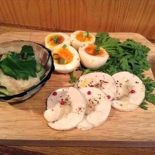 自家製の塩こうじ、味噌漬け料理などの発酵食