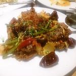 ワールド チャイニーズ キッチン ルーラン - 鶏肉と唐辛子の''爆弾''炒め ¥875