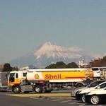 日本平パーキングエリア(上り線)フードコート - 料理写真:当エリアから見える富士山