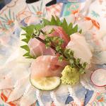 さかな玄菜 - 泳ぎ穴子のうす造りと鮮魚3種