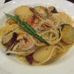 38946297 - 海老と野菜のペペロンチーノのセット(1080円)