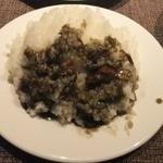 38946471 - 分け分け味見の近江牛漆黒カレーライスは、初めて食べる独特の味。でも美味しかったです。半分カレー食べて、半分ハンバーグライスです!(笑)