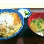 38946637 - カツ丼850円