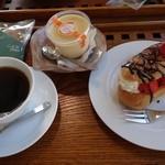 夢菓詩工房 わかまつ - (2015/5月)「贅沢いちごのエクレア」「プリン」ブレンドコーヒー