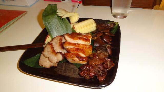 ゆるり 中華食堂 癒食同源 - おまかせ2 肉(燻製のレバ、ハツ、砂ズリが特によかった)