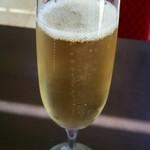 ジェルボー - 食前酒にスパークリングワイン