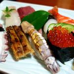 寿司割烹八重垣 - 料理写真:上にぎり