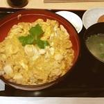 鶏三和 - 香草美水鶏 親子丼