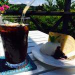 38970305 - アイスコーヒー&シフォンケーキ