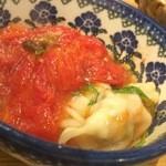 ミルナーナ - 2015.06 取分け中に判明、水餃子の鍋に隠れていたトマト・・・美味し!