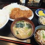 入船 - ロースかつ定食900円