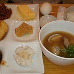 Kyoumanzarakasane - 朝食バイキング 煮込みハンバーグ、味噌汁など