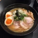 38977804 - 濃厚鶏麺+味玉  900円