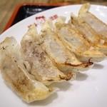 味千拉麺 - 2014年11月 ギョーザ【310円】ふ~む…