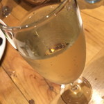 ワイン食堂 ガブガブ - スパークリングワイン(ハッピーアワーで300円)2015年6月