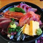 38985931 - 海鮮丼1950円